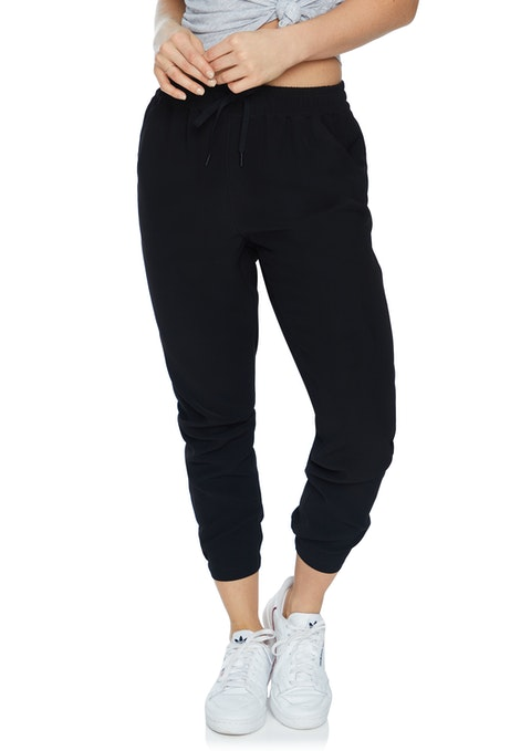Black Fl Crepe Casual Pant